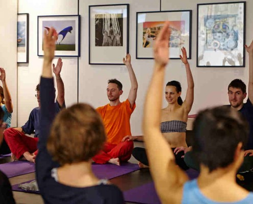 Yoga Dating London with Richard Brook and Hayley Quinn